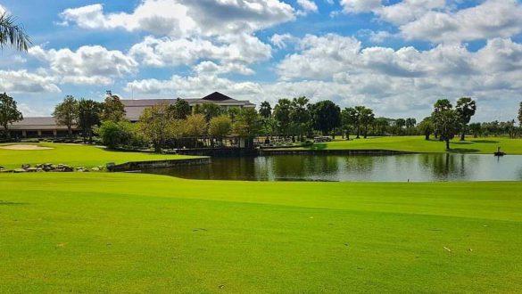 GolfField01
