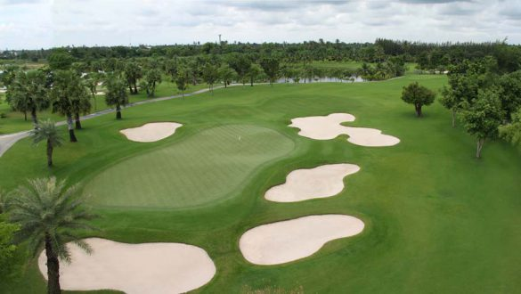 GolfField05